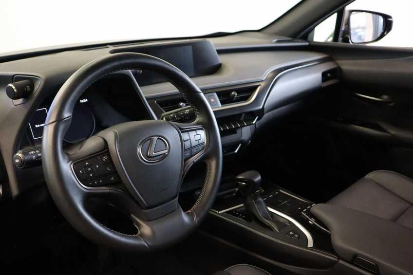 """Lexus UX 250h F Leder Navigatie Clima Cruise Camera Elektr. Klep 18""""LM *tot 24 maanden garantie (*vraag naar de voorwaarden) afbeelding 15"""