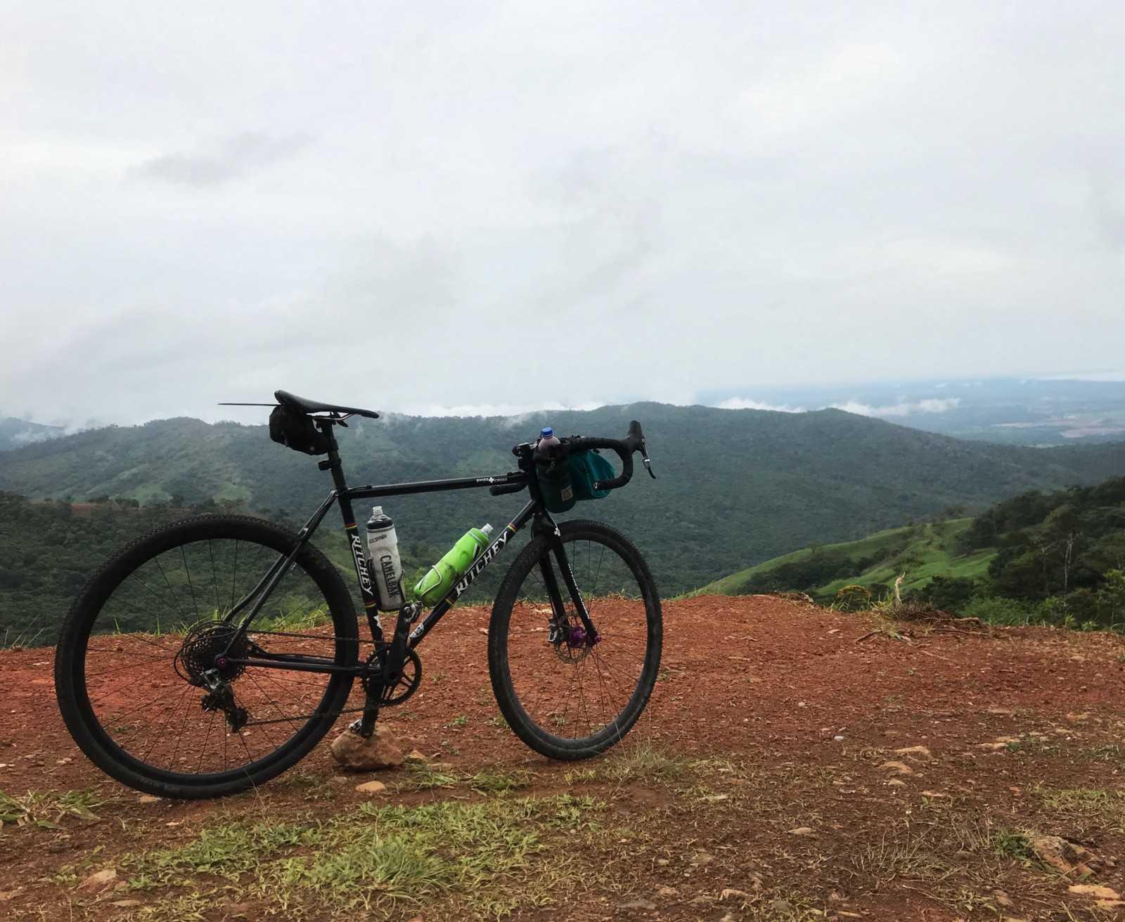 Idiota Gringo Bikes Panama: Arrival and Cerro Jefe cover image