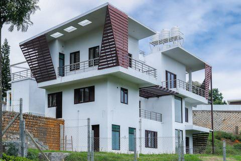 Casa Hermosa - Large 5 bedroom house for sale in Brooklands - House for sale in Brooklands, Coonoor