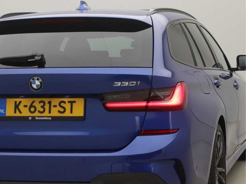 BMW 3 Serie 330i Touring High Executive M-Sport Automaat afbeelding 23