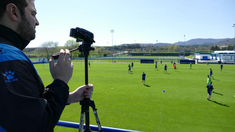 Video Coordinator recording Deportivo Alaves at football practice