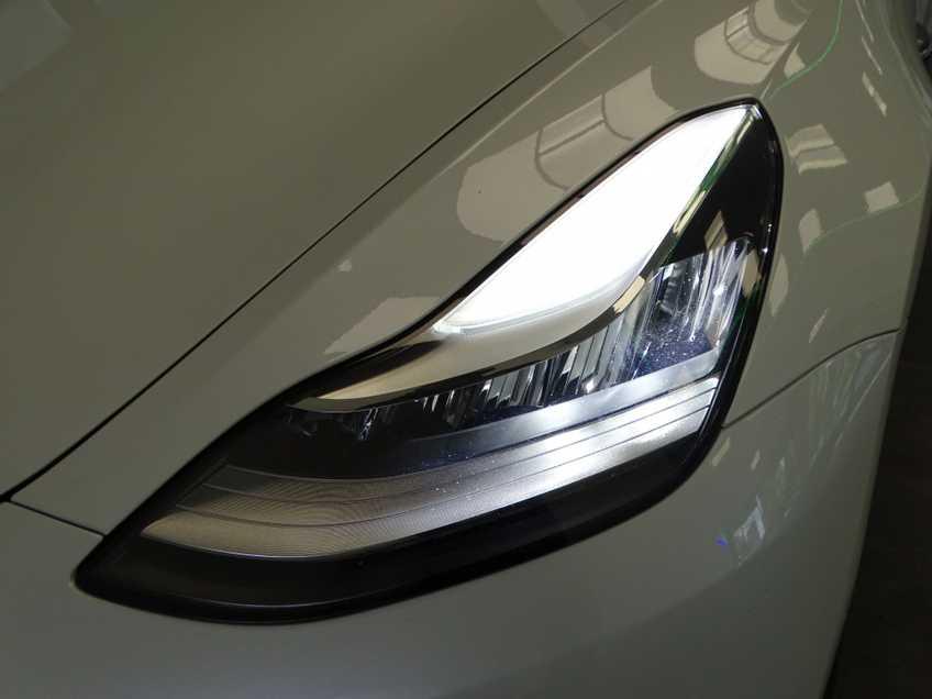 "Tesla Model 3 Long Range   prijs ex.btw 44.450,-   Wit Wit 19""LM% Bijtelling afbeelding 17"