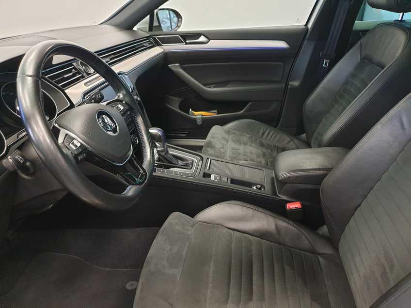 Volkswagen Passat 1.4 TSI GTE Highline EX BTW Navigatie Panoramadak LED PDC Clima Cruise 17`LM afbeelding 22