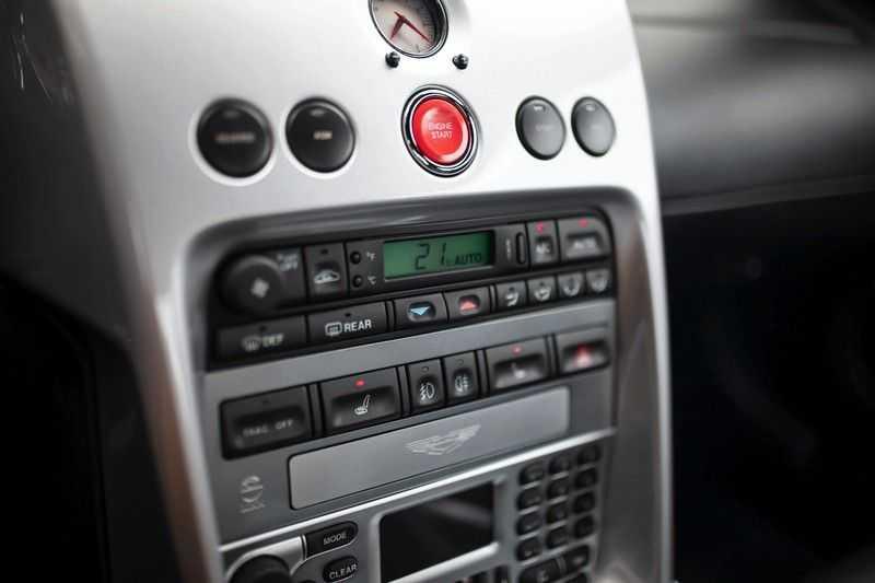 Aston Martin V12 Vanquish 5.9 *Absolute nieuwstaat!* afbeelding 8