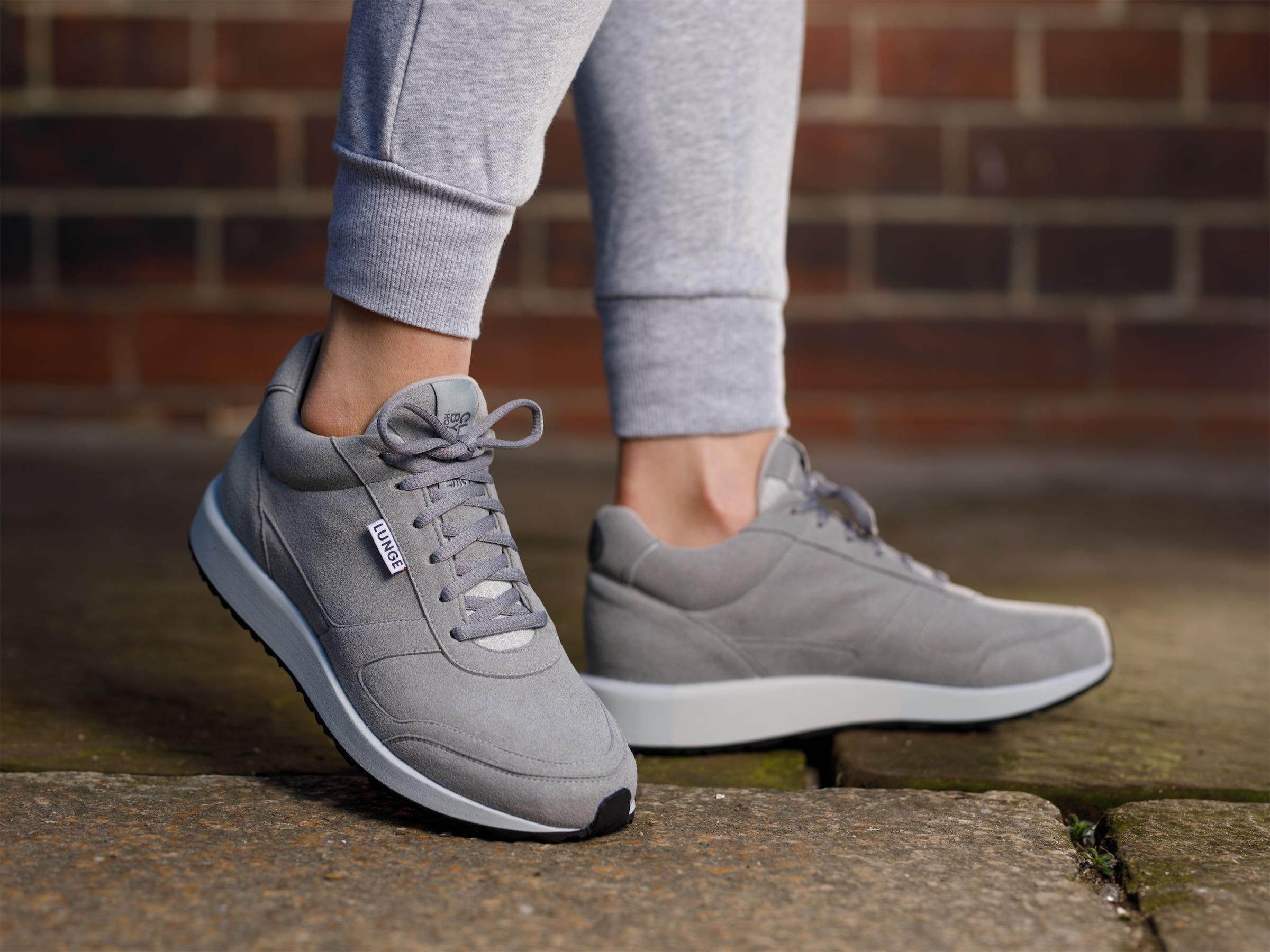 Classic Walk (Silver / Light Grey)