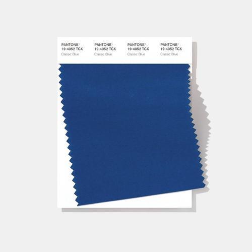 Цвет 2020 года — классический синий (19-4052 Classic Blue). Источник: Pantone