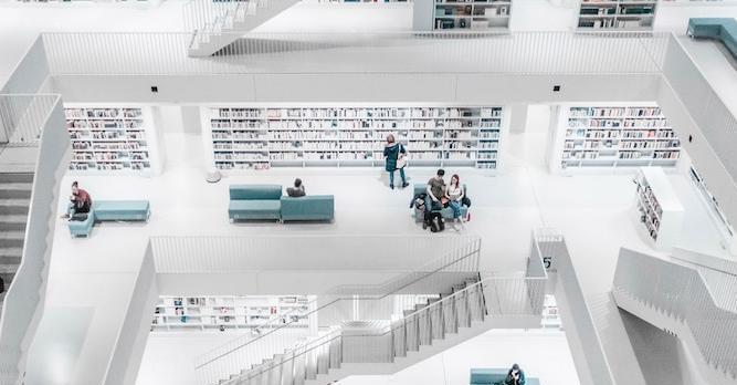 Библиотека в Штутгарте, Германия. Фото: Sara Kurfess / unsplash.com