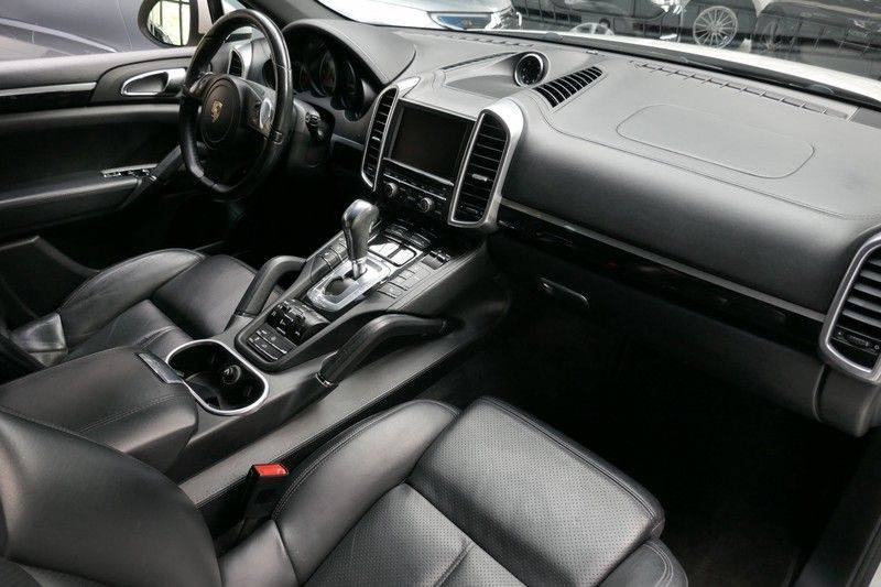 Porsche Cayenne 4.8 S Panoramadak afbeelding 18