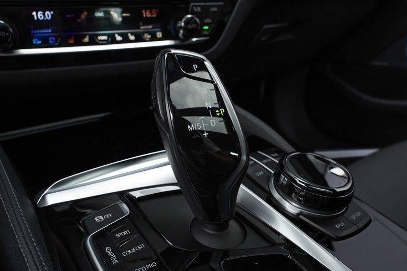 """BMW 5 Serie M550d X-Drive M-Pakket Shadow B&W Camera 360° Massage 20"""" afbeelding 24"""