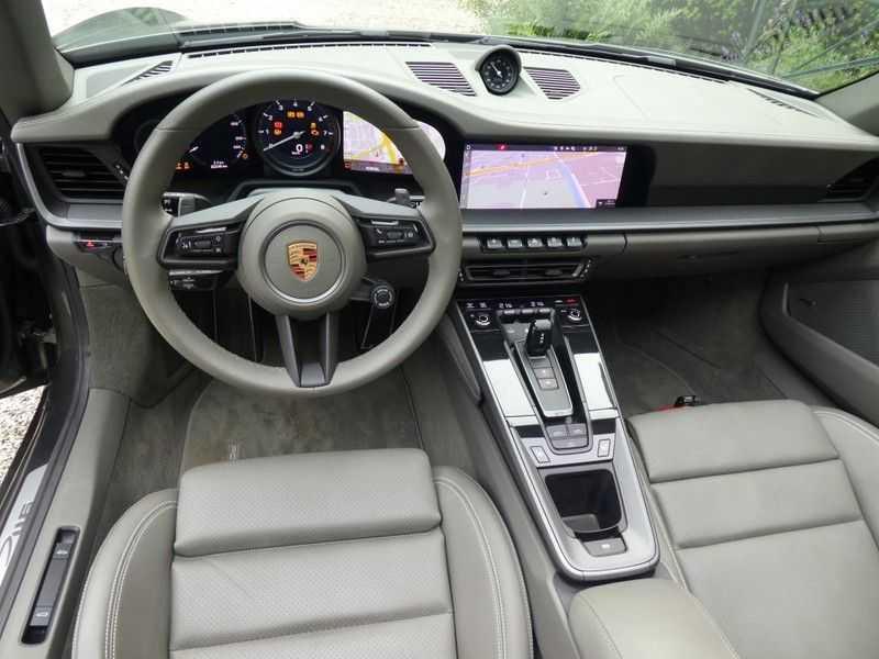 Porsche 992 Cabrio 3.0 Carrera 4S afbeelding 5