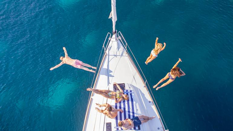 Explore the Adriatic with boat hire in Croatia