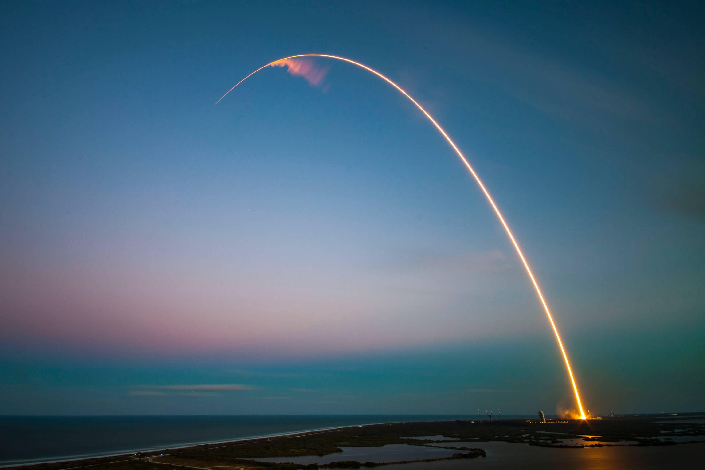 Um foguete decolando, igual você irá decolar depois de ler este artigo