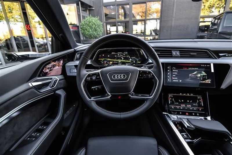 Audi e-tron SPORTBACK 55 QUATTRO S-EDITION HEAD-UP+22INCH afbeelding 13
