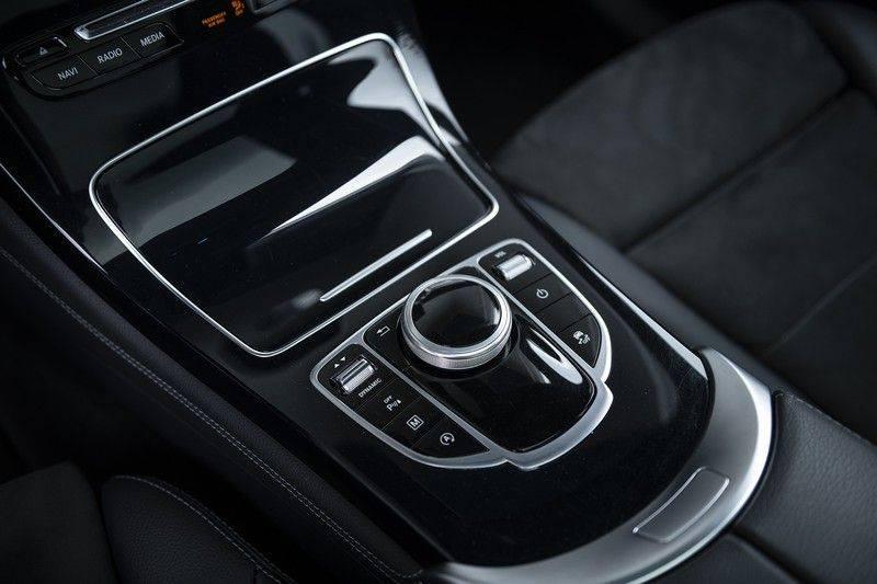 Mercedes-Benz GLC 350d AMG 4MATIC Premium Plus GLC Apple CarPlay + Verwarmde stoelen + Elektrische trekhaak + Panorama Dak afbeelding 25