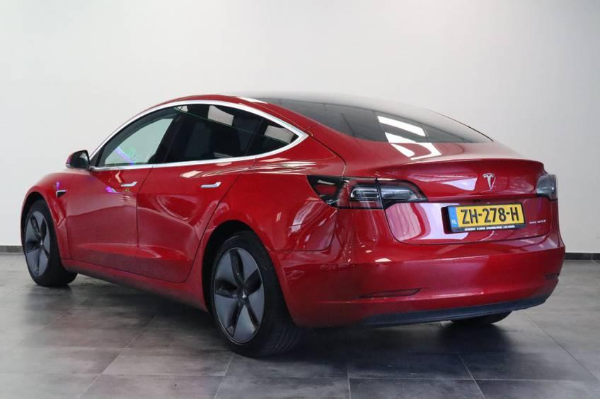 "Tesla Model 3 Long Range | prijs ex.btw 43.760,- | FSD! Rood Zwart Navigatie 18""LM 4% Bijtelling Privacy glas 351 PK! afbeelding 3"