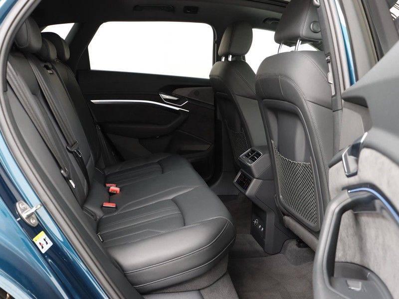 Audi e-tron 55 Quattro Incl. BTW | +/- €130 netto bijtelling| Camerabeeld spiegels | Adapt. Cruise | NAVI | Head-Up Display | 21 Inch | Matrix LED | 360 Camera | B&O | DAB | Keyless-Entry | Pano-Dak | afbeelding 18