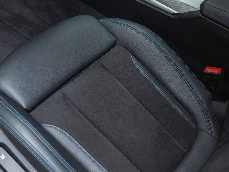 BMW 3 Serie Touring 330e xDrive M-Sport - Panorama - Harman Kardon - Active Cruise afbeelding 20
