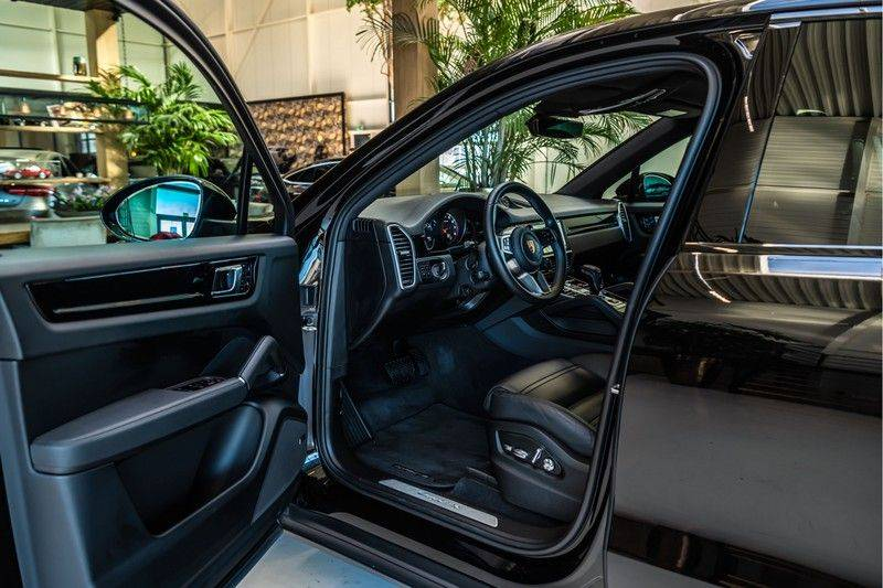 Porsche Cayenne Coupé 3.0   BOSE   Adaptieve luchtvering   Led-Matrix   Licht Design pakket   Panorama afbeelding 7