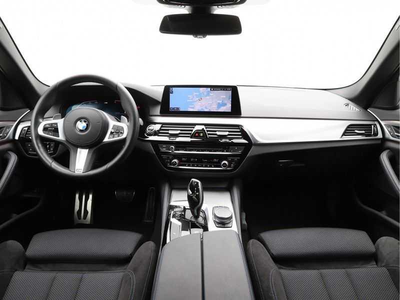 BMW 5 Serie Touring 520d High Executive M-Sport Aut. afbeelding 14