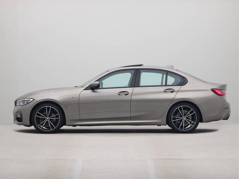 BMW 3 Serie Sedan 320i High Executive M-Sport Automaat afbeelding 12