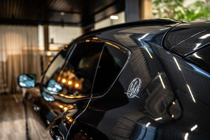 Maserati Levante 3.0 V6 D AWD | BTW | Black pack | Pano | Rood sticksel | Harman Kardon | Voertuigvolgsysteem | Nieuwe onderhoudsbeurt | afbeelding 11