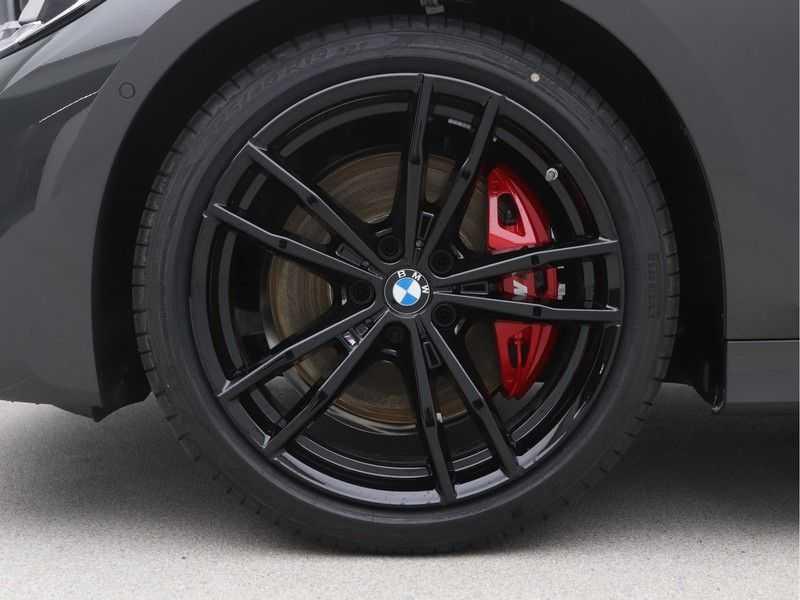 BMW 3 Serie Sedan 320i High Executive M-Sport Automaat afbeelding 21