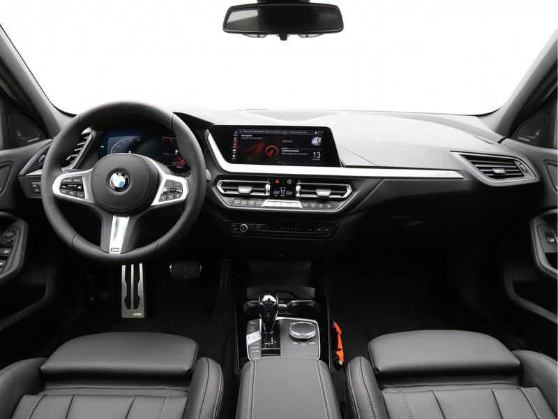 BMW 1 Serie 118i High Exe Edition Aut. M-Sport afbeelding 15