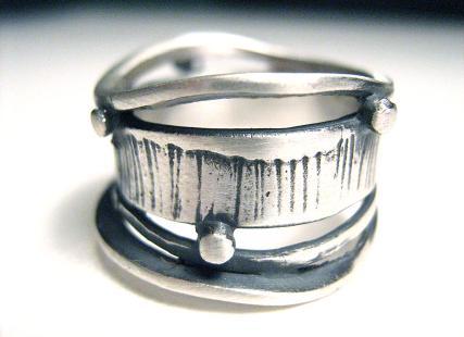 124-wires-ring.jpg