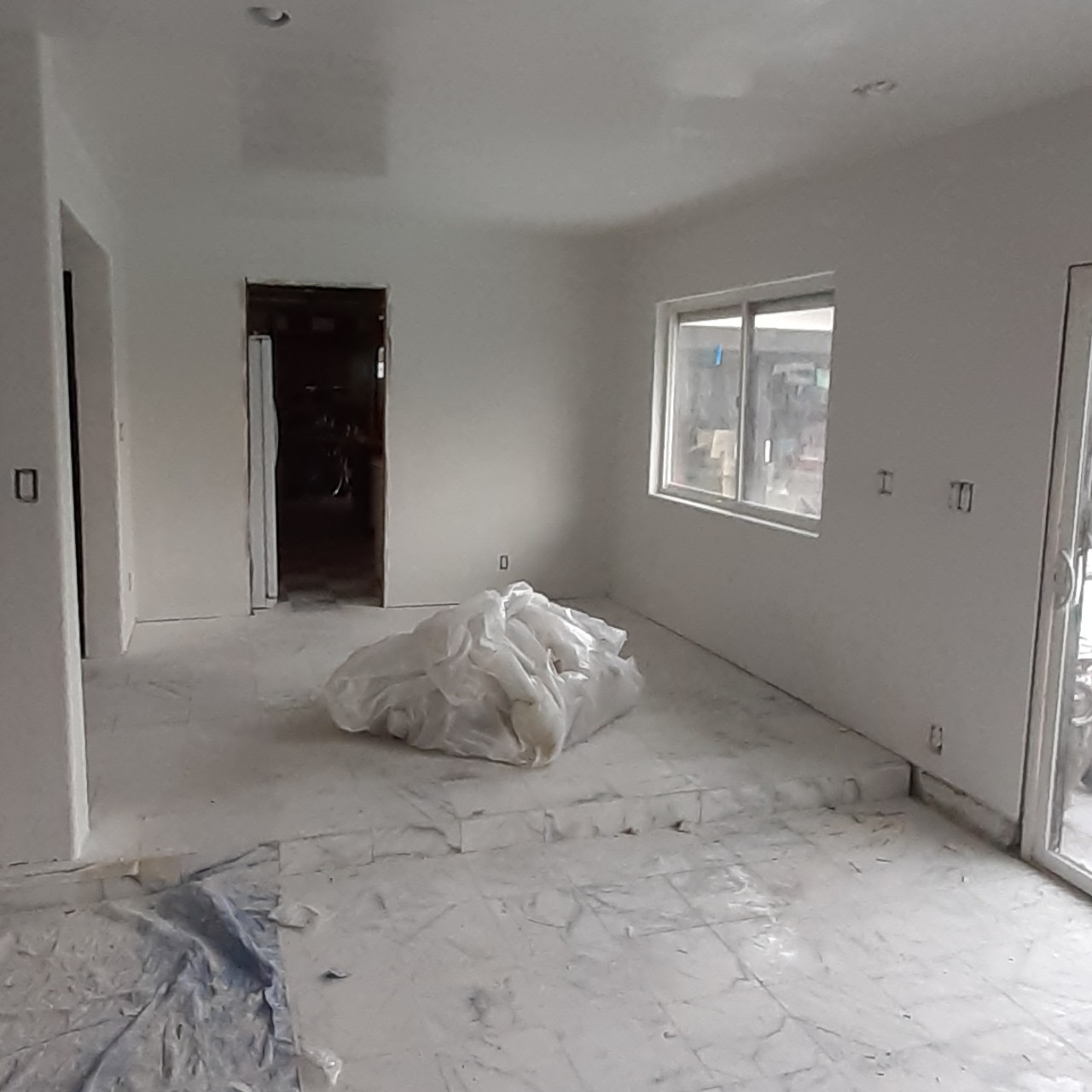 remodeling-living-room-interior--fixing-15