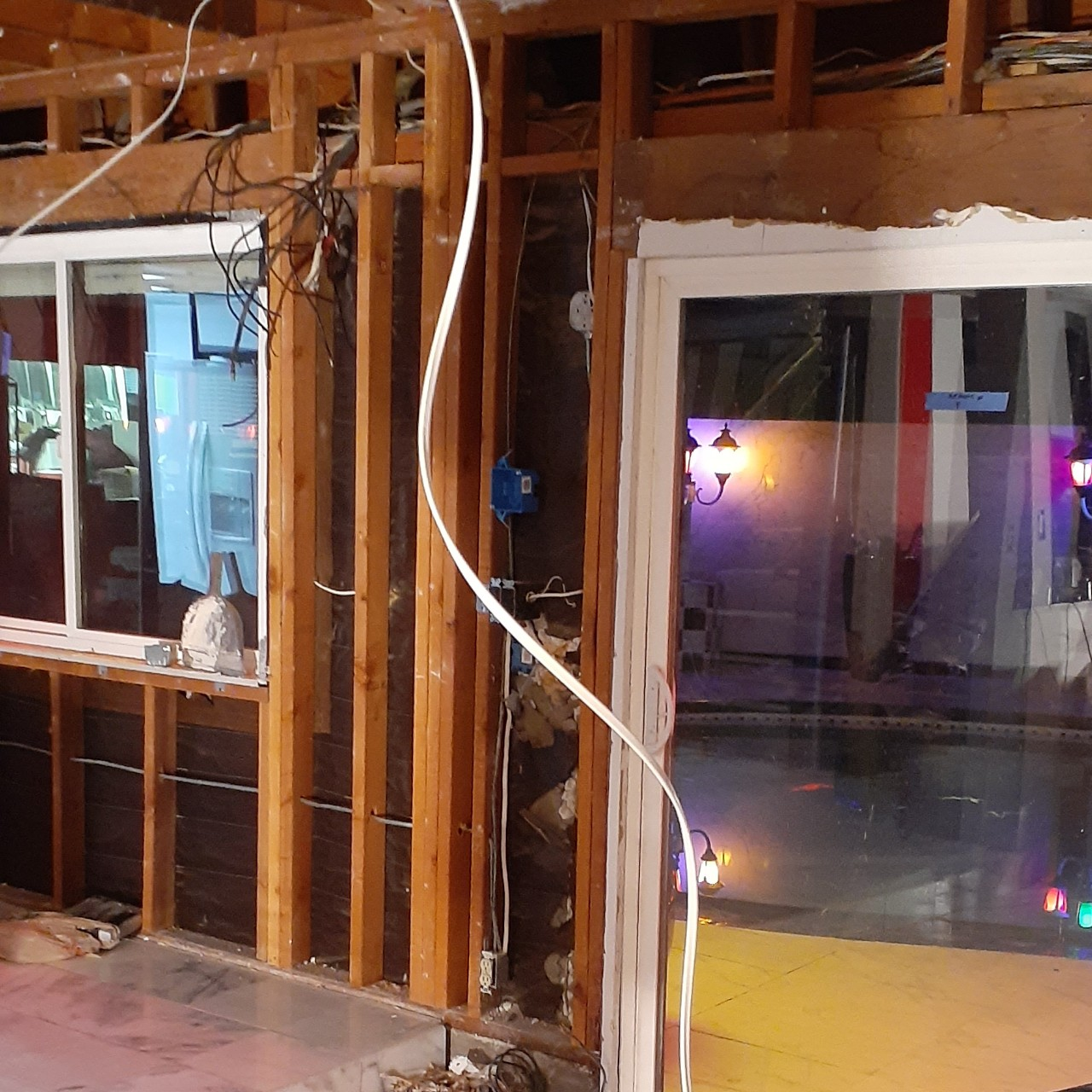 remodeling-living-room-interior--fixing-01