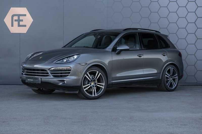 Porsche Cayenne 3.0 D Platinum Edition Org. Ned. + 1ste eigenaar + Dealer onderhouden + Sportchrono + Stuur/ Stoel verwarming+ Stoel koeling + Bose