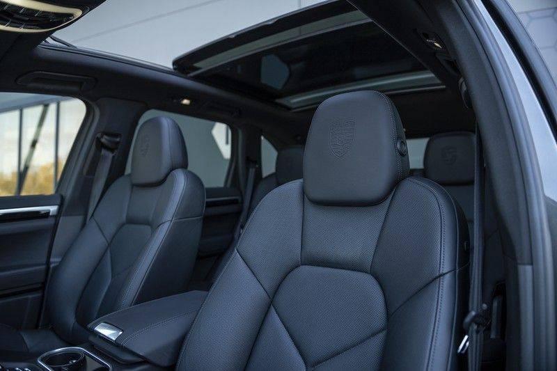 Porsche Cayenne 3.0 D Platinum Edition Org. Ned. + Dealer onderhouden + Sportchrono + Stuur/ Stoel verwarming+ Stoel koeling + Bose afbeelding 15