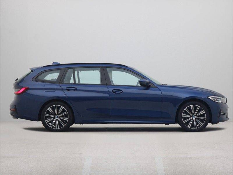 BMW 3 Serie Touring 318i Executive Edition Sport Line Automaat afbeelding 8