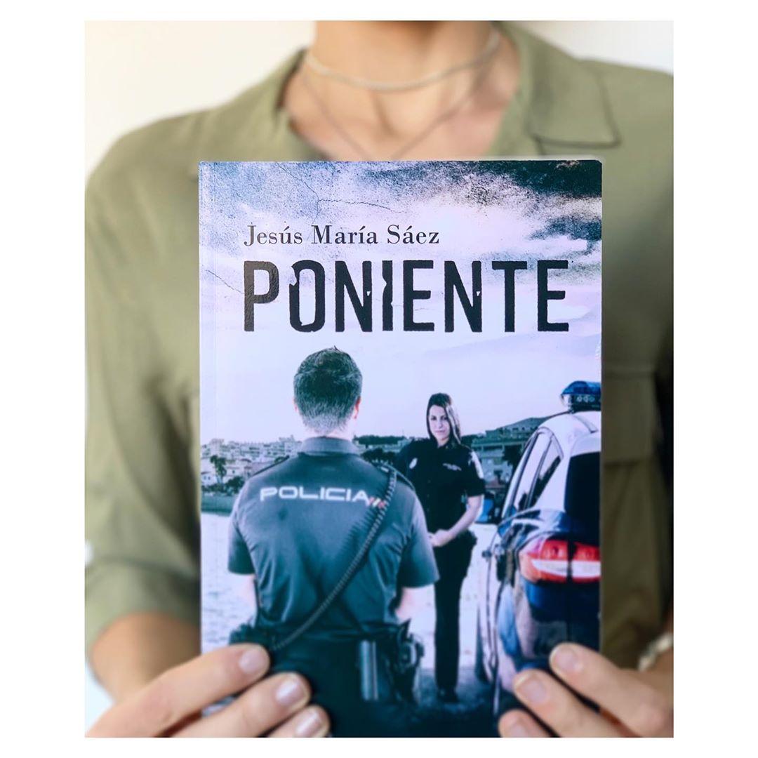 """Imagen de Reseña de """"Poniente"""", de Jesús María Sáez"""