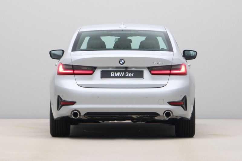 BMW 3 Serie 318i Sedan Exe Sportline Aut. afbeelding 4