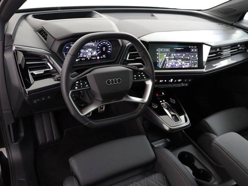 Audi Q4 40 e-tron Launch edition S Competition | Panoramadak | Lederen bekleding | Sonos | Head-up display afbeelding 2