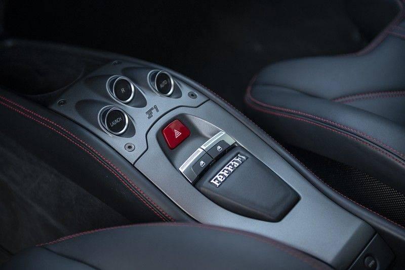 Ferrari 458 4.5 V8 Italia New Power Garantie T/M 12-03-2022, Carbon Sport Seats, Custom Exhaust, Carbon exterieurdelen afbeelding 14