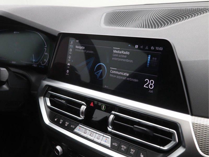 BMW 3 Serie 320e High Exe M-Sport Aut. Hybrid afbeelding 18