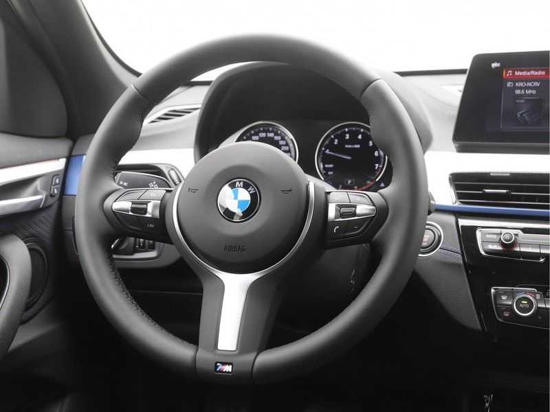 BMW X1 sDrive18i Executive Edition M-Sport Automaat afbeelding 11