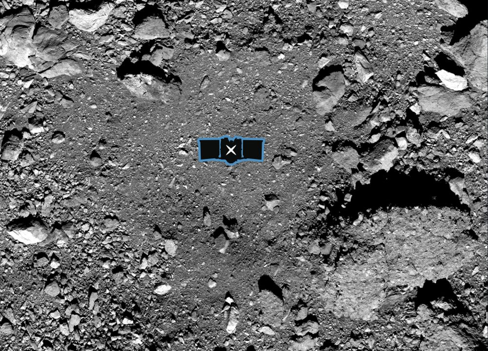 Figure 3: Locul de pe suprafața asteroidului Bennu de unde sonda OSIRIS-REx va încerca să preleveze probe de sol, în 25 august 2020. Sursa foto: NASA