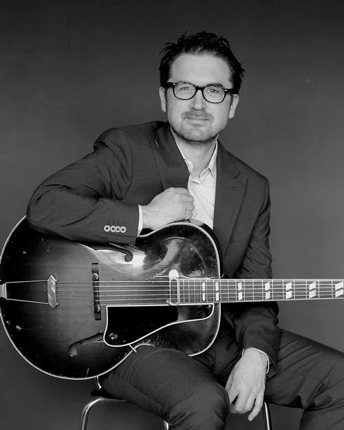 Baard Helgerud and his guitar
