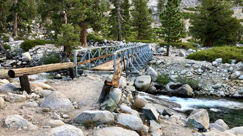 Bridge over Piute Creek in Kings Canyon National Park
