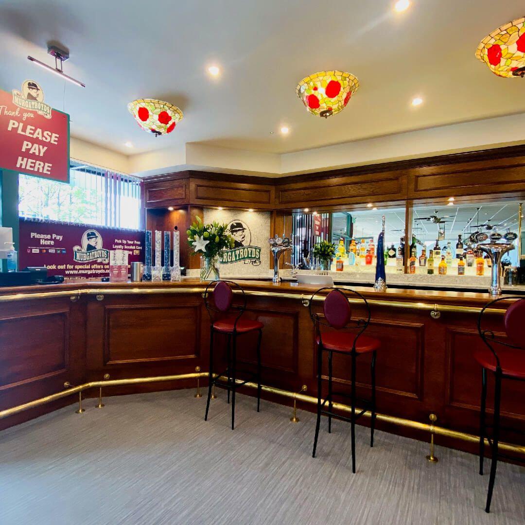 Murgatroyds inside bar