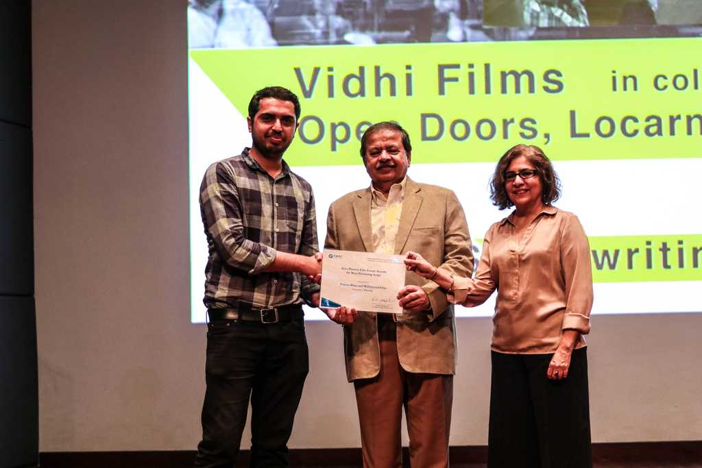 Shireen Khan and his partner Irfan Khan win best script in progress.