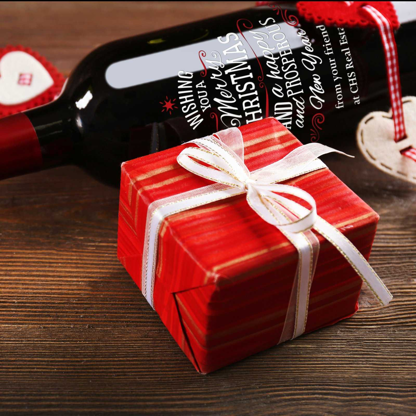 Etched Christmas Wine Gift with custom design
