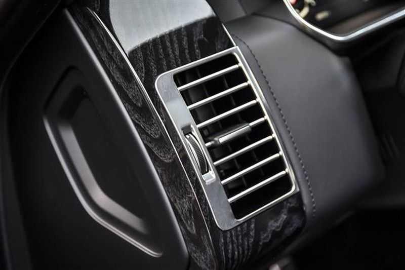 Land Rover Range Rover P400 3.0-V6 AUTOBIOGRAPHY BLACK PACK NP.193K afbeelding 3