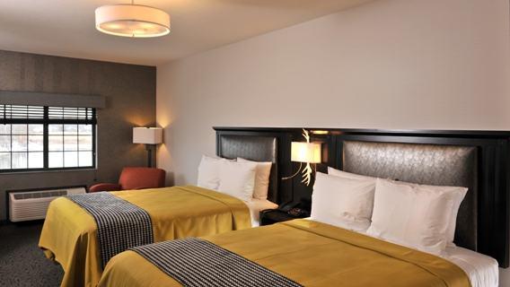 Deluxe Bed Hotel Room