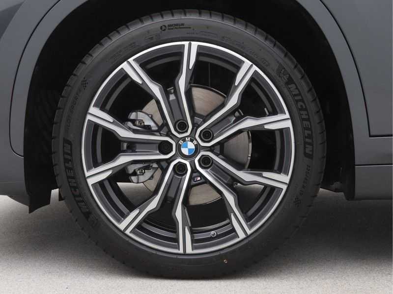 BMW X1 sDrive18i Executive Edition M-Sport Automaat afbeelding 14