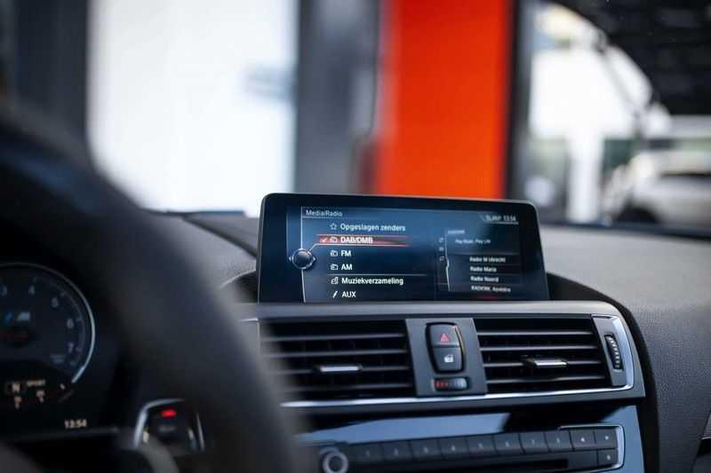BMW M2 Coupé DCT *M-Performance uitlaat / LED stuur / H&K / Comp. velgen* afbeelding 8
