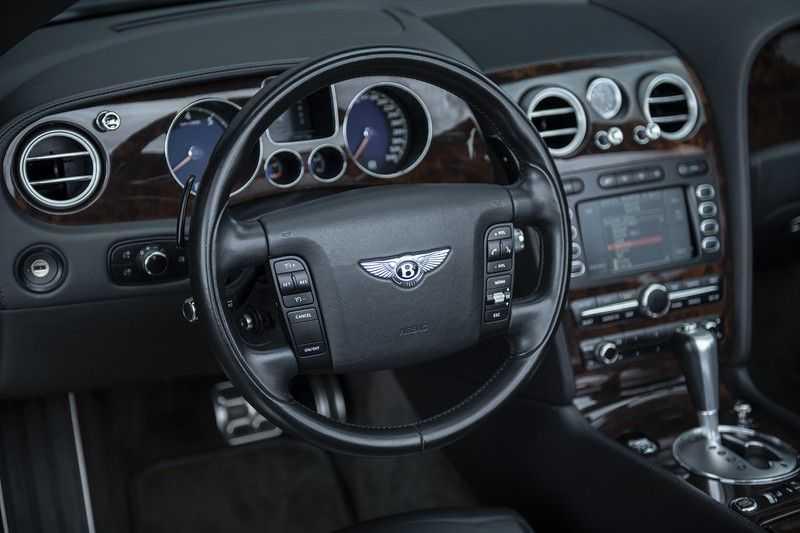 Bentley Continental GTC 6.0 W12 + Dealer onderhouden + Excellent Condition afbeelding 12